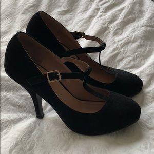 Shoes - Classic maryjane heels